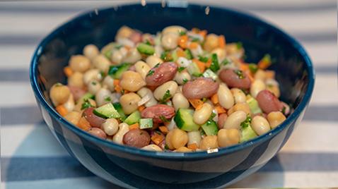 有能食材「お豆」でトレーニング効果もUP!いろどりお豆のサラダレシピ!